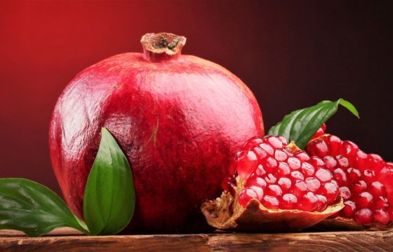 How Drinking Pomegranate  Juice Daily May Help Weight Loss